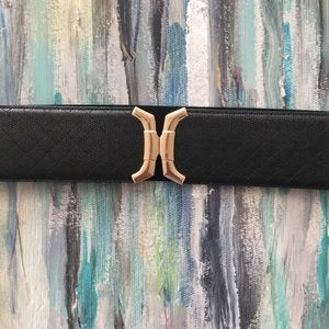 Accessories - Black elastic belt with hook closure. Size s/m